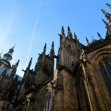 Of flying buttresses and dead horses